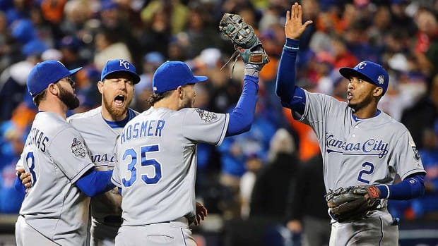 royals-win-ws-game-4.jpg