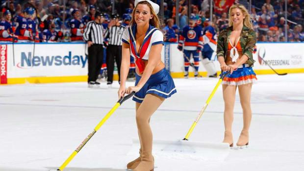 Islanders-Ice-Girls-Stobe-nhli.jpg