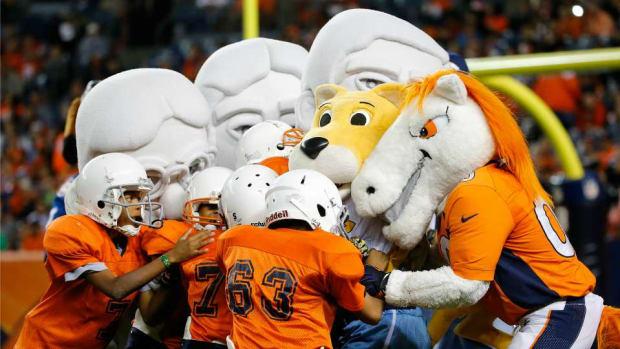 nuggets-mascot-football-tackle.jpg