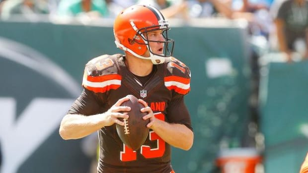 Browns quarterback Josh McCown to start against Raiders--IMAGE