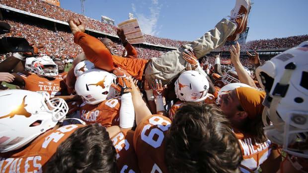 Texas fans go nuts after 'Horns upset Oklahoma