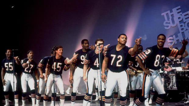 Chicago-Bears-Super-Bowl-Shuffle-William-Refrigerator-Perry-017073204.jpg