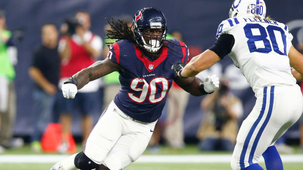 jadeveon-clowney-texans-jags-out.jpg