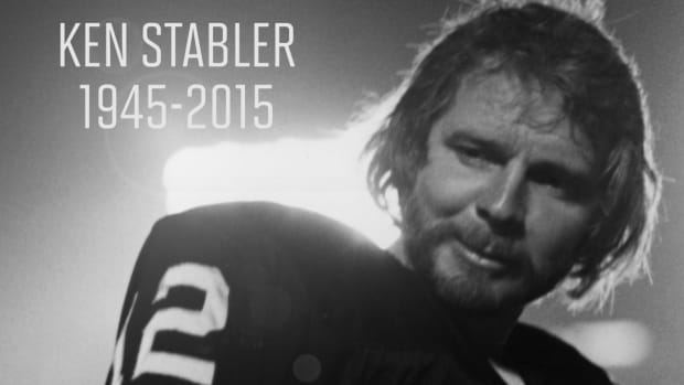 Former Raiders quarterback Ken Stabler dies at age 69 IMAGE