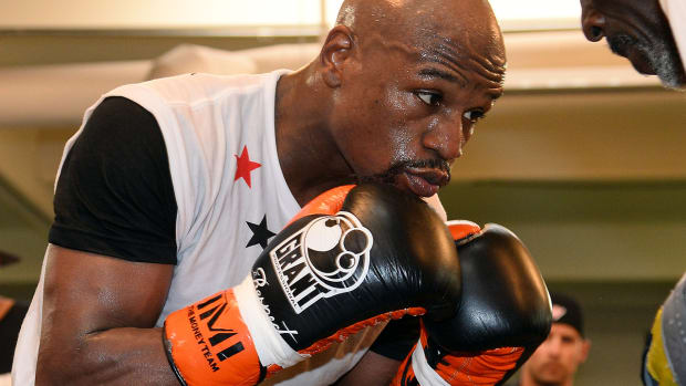 Floyd Mayweather to fight Andre Berto on September 12 in Las Vegas IMAGE