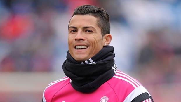 Cristiano Ronaldo real madrid birthday sings