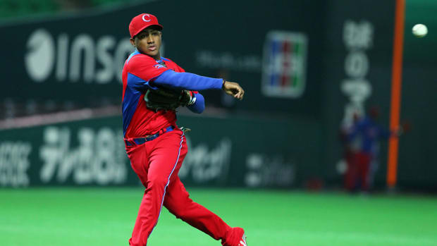andy ibanez cuba free agent mlb