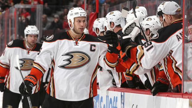 Anaheim Ducks will not be fined for holiday skate session