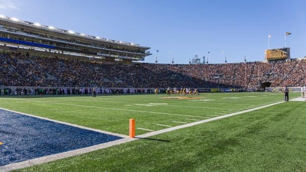 california_memorial_stadium.jpg