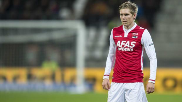 Aron Johannsson use for goal posts