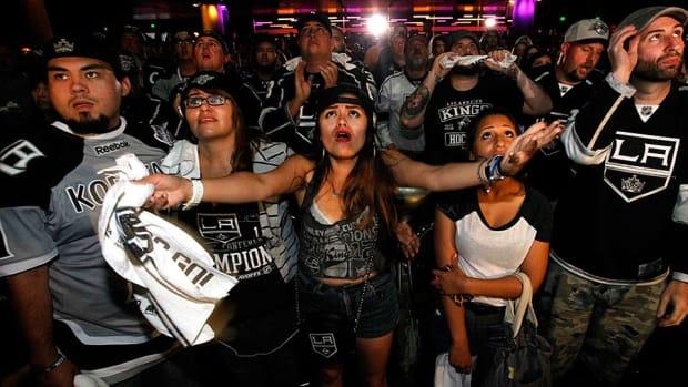 dejected-kings-fans-Barbara-Davidson.jpg
