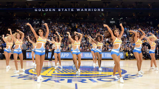 Golden-State-Warriors-Dance-Team-459966428.jpg