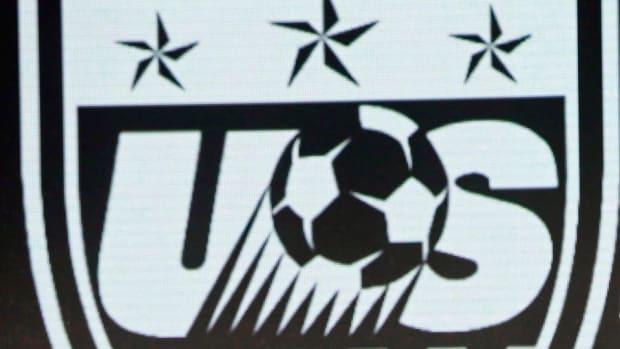 us-soccer-crest.jpg