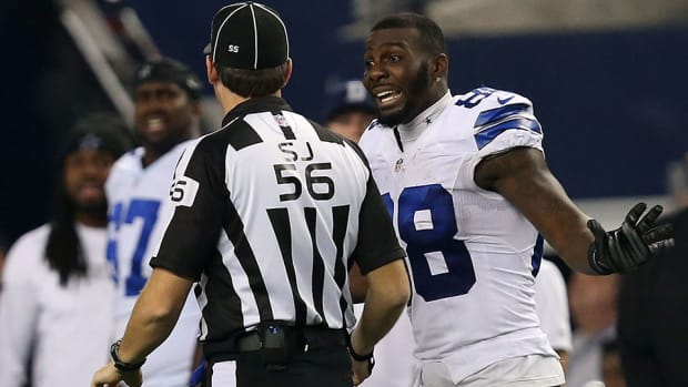 dallas-cowboys-dez-bryant-contract-holdout-twitter.jpg