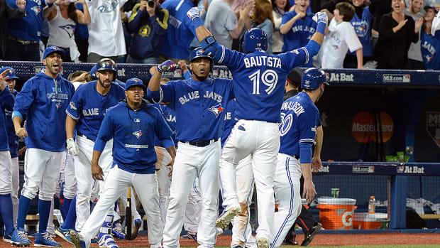 blue-jays-beat-rangers-jose-bautista-home-run.jpg