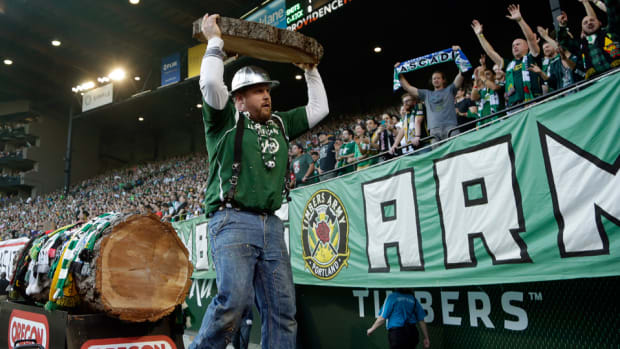 timber-joey-mls-cup.jpg