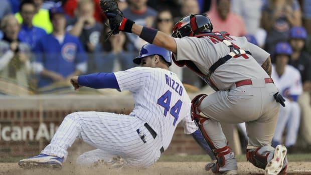 cardinals-yadier-molina-thumb-injury-out.jpg