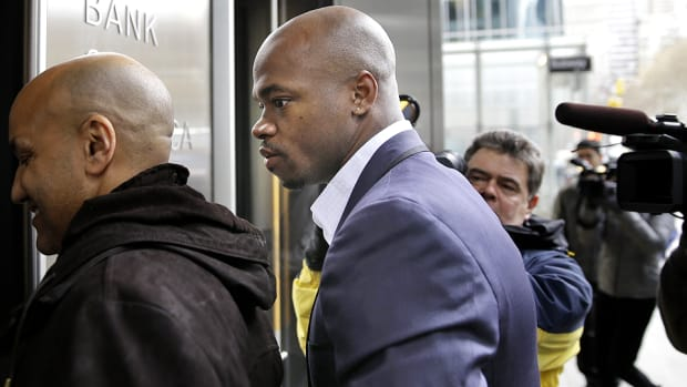 adrian-peterson-suspension-appeal-nflpa.jpg