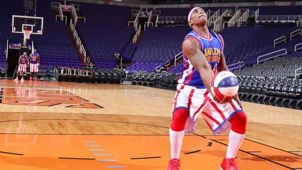 lead-farthest-basketball-shot-made-backwards.jpg