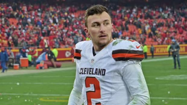 Johnny Manziel's season is over due to a concussion -- IMAGE