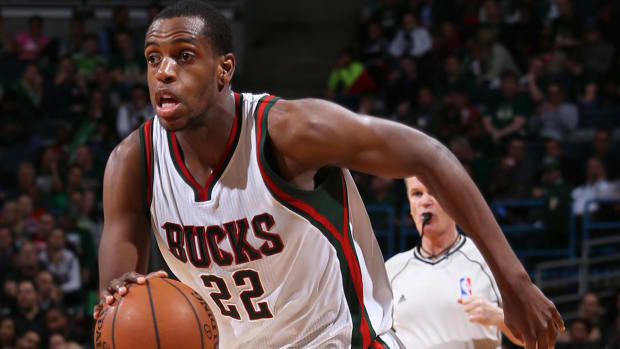 Report: Bucks, Khris Middleton agree to five-year, $70 million contract IMAGE