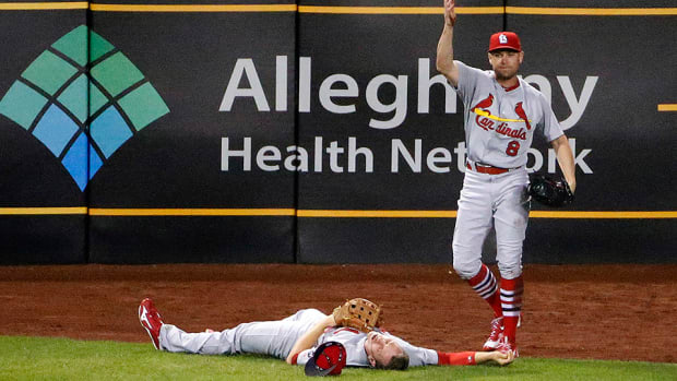 stephen-piscotty-injury-cardinals-outfield-collision.jpg