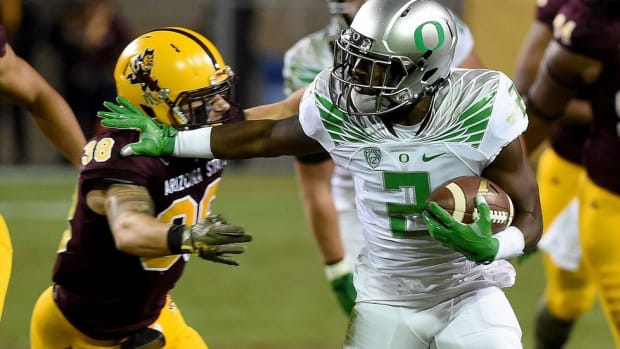 After missing 2014 with a knee injury, Oregon's Bralon Addison is quietly compiling a monster season