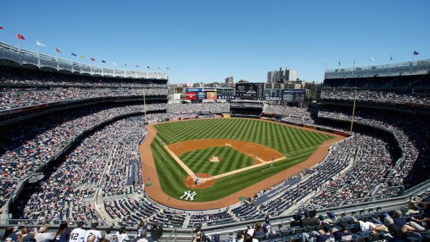 yankee-stadium-american-pharoah-triple-crown-video.jpg