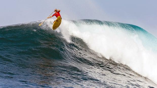kai-lenny-ultimate-waterman-sup-surfing-jaws-960.jpg