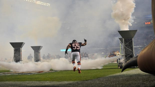 Report: Lance Briggs will not return to Bears IMAGE