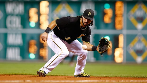 sean-rodriguez-pittsburgh-pirates-contract.jpg