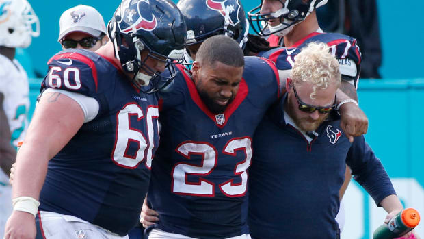 NFL Week 7 injury roundup: Texans' Arian Foster likely out for season with torn Achilles--IMAGE