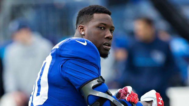 Jason Pierre-Paul passes physical, agrees to terms with Giants--IMAGE