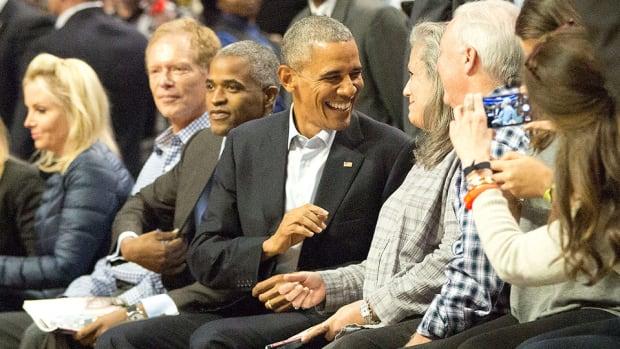 barack-obama-chicago-bulls-cleveland-cavaliers-season-opener.jpg