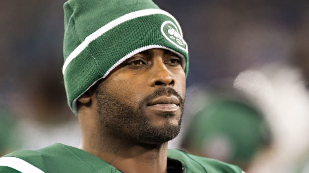 michael-vick-signs-steelers.jpg