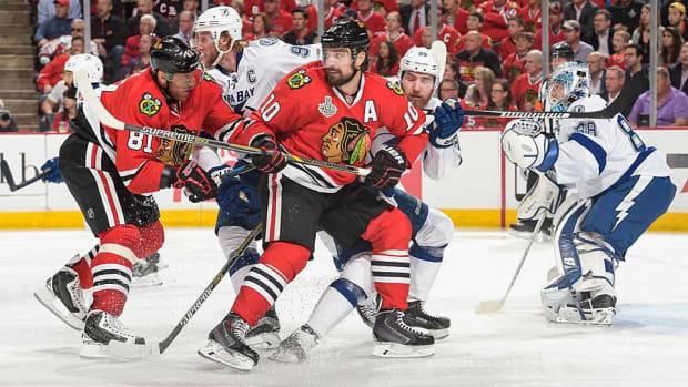 blackhawks-lightning-Bill-Smith-NHLI.jpg