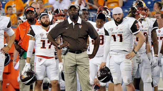 Bowling Green coach Dino Babers gambled on himself and it's paying off in big way