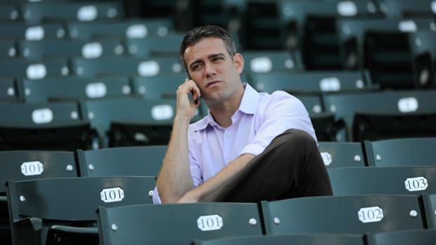 cubs-theo-epstein-off-season-pitcher.jpg