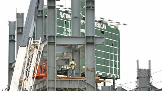 wrigley-field-cubs-renovations
