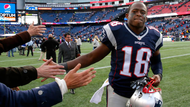 patriots-elect-kick-off-overtime-matthew-slater.png