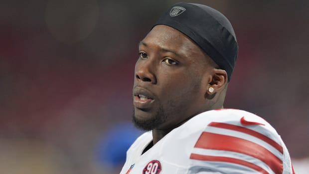 Report: Jason Pierre-Paul had right index finger amputated Wednesday IMAGE