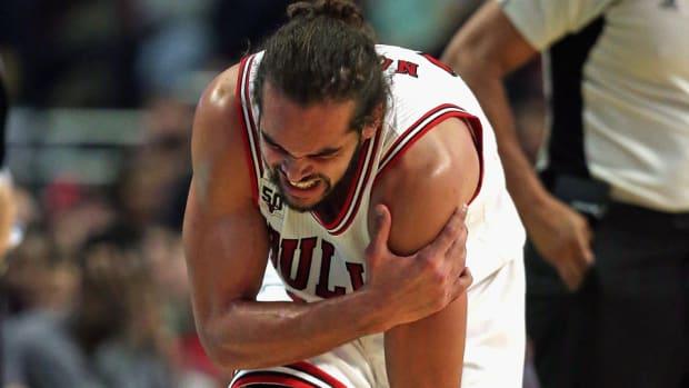 joakim-noah-shoulder-injury-chicago-bulls-out-two-weeks.jpg