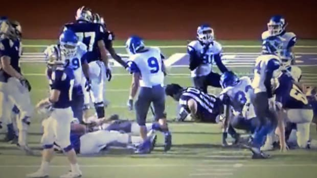 Police investigating two Texas high school football players who hit ref - IMAGE