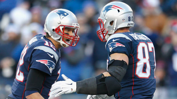 2157889318001_4223685043001_Tom-and-Gronk.jpg