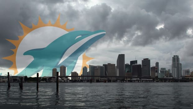 2157889318001_4449067581001_DOLPHINS-COULD-MOVE-PRACTICE-IF-HURRICANE-HITS-FLORIDA-.jpg