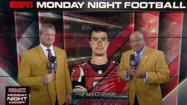 ESPN commentators honor late Frank Gifford with throwback jackets--IMAGE