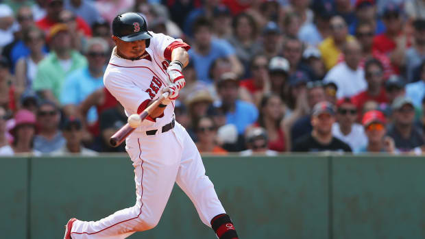 Red Sox place Mookie Betts on seven-day concussion DL IMAGE