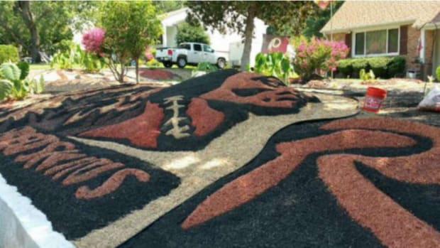redskins-lawn-art-lead.jpg