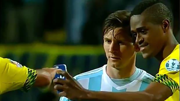 2157889318001_4310544664001_Jamaican-Player-Selfie-Messi.jpg