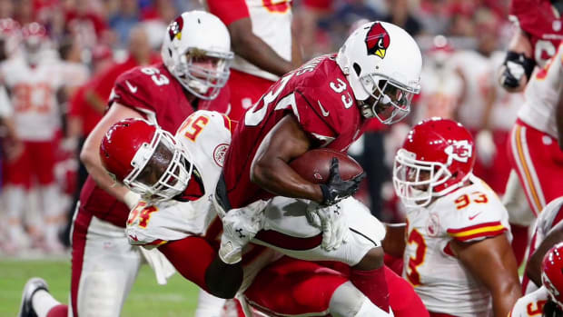 Report: Cardinals OL Mike Iupati to miss 6-8 weeks after knee surgery--IMAGE